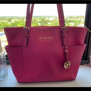 Michael Kors Jet Set East/West Tote - pink magenta